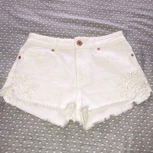 Bullhead Denim White Floral Lace Shorts